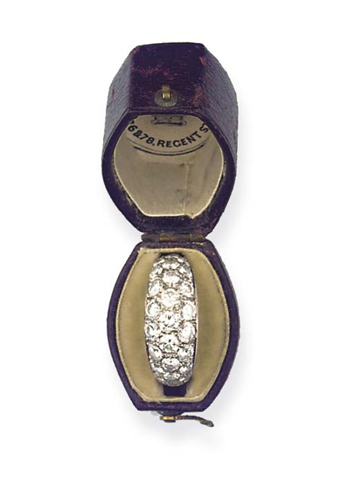 (2)  AN ART DECO DIAMOND BAND