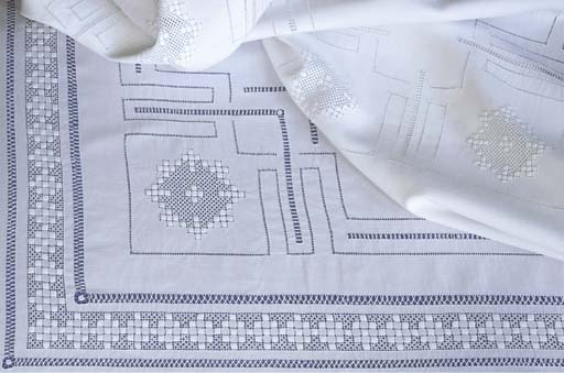 An openworked and linen tablec