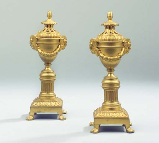 (2) A PAIR OF FRENCH ORMOLU CA