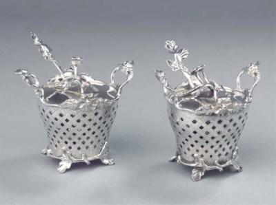 A fine pair of Dutch silver mu