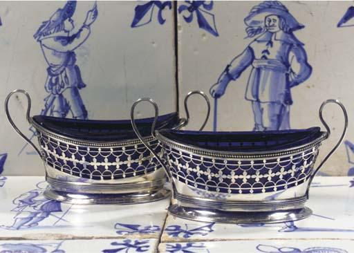 (4) A pair of Dutch silver sal