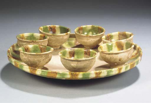 A sancai-glazed tray and bowls