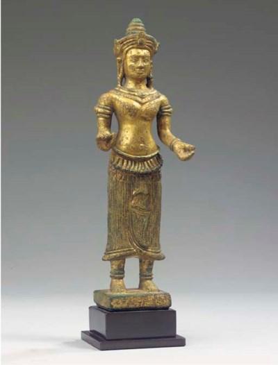 a fine khmer, bayon style, gil