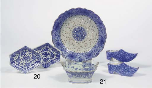(5)  Four various blue and whi