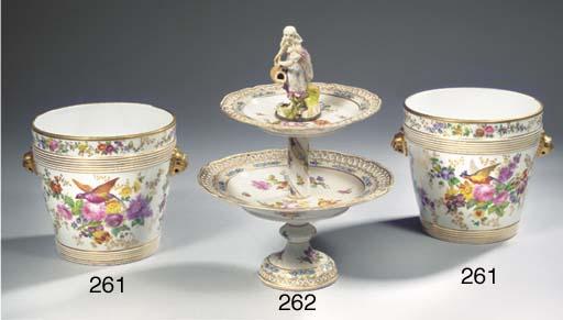 A Saxon pattern porcelain ajou