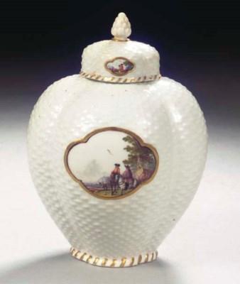 A Meissen porcelain tea caddy