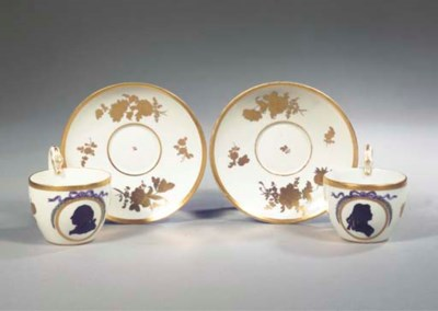 A pair of Meissen porcelain Si