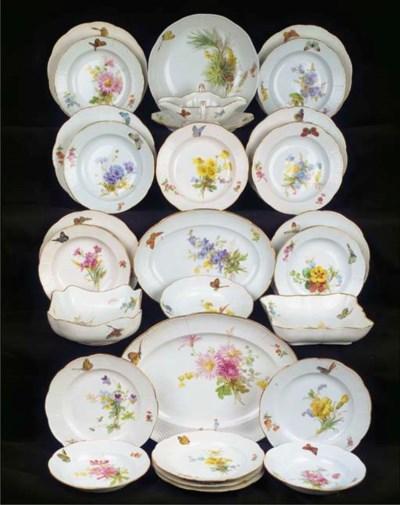 (27)  A Meissen porcelain flor