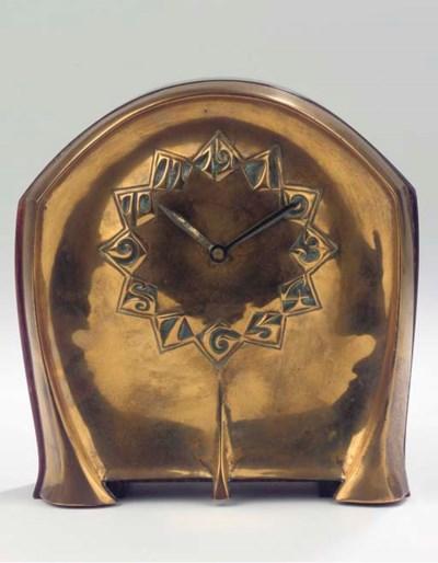A copper and coromandel mantle