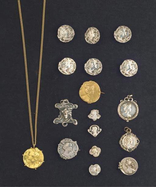 (26)  A collection of silver a
