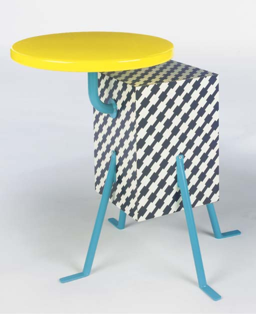 Kristal, an occasional table