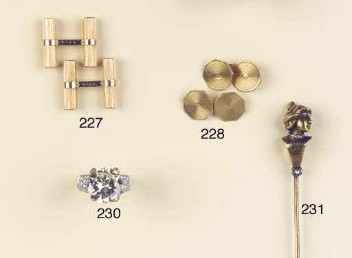 A DIAMOND HAT PIN