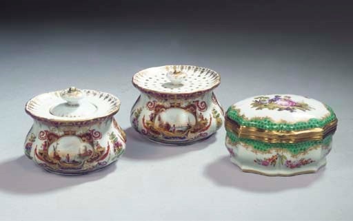 A Meissen pattern porcelain co