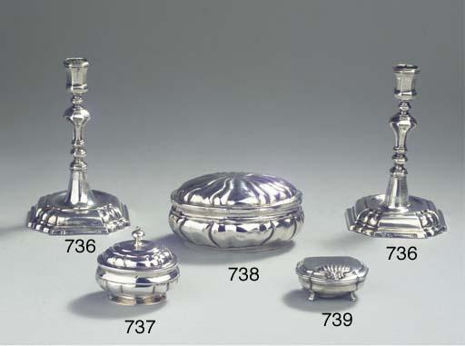 A small Austrian silver snuff-