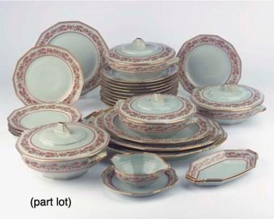 (98) A Limoges porcelain dinne