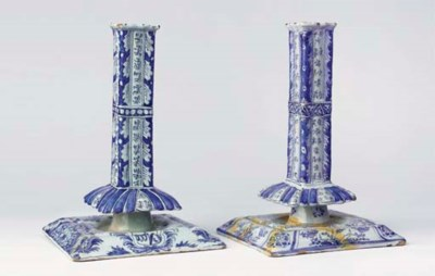 (2)  A set of two Dutch Delft