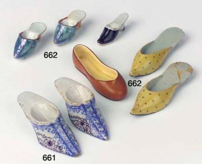 (2) A pair of Delftware blue a