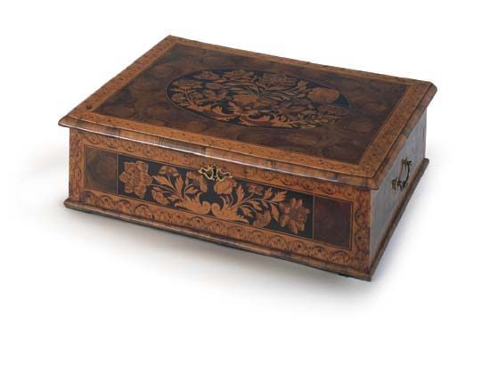 AN ENGLISH MARQUETRY LACE BOX