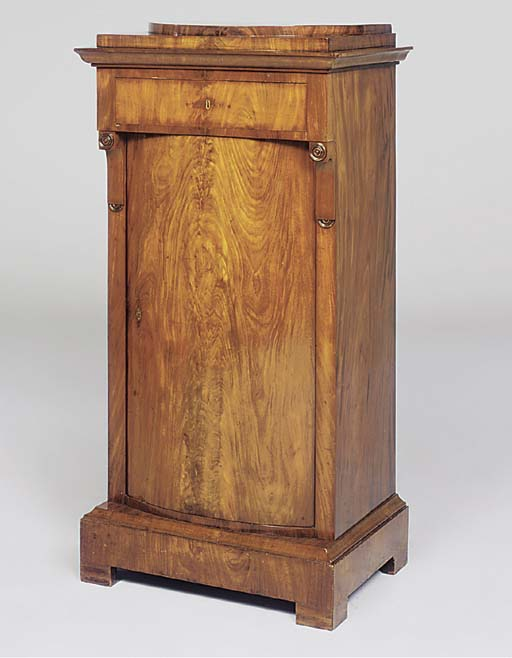 A BIEDERMEIER FIGURED MAHOGANY