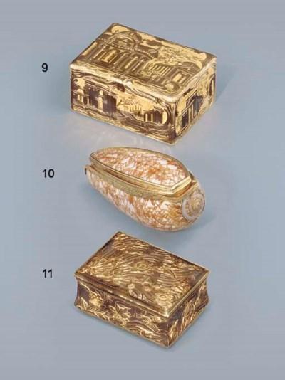 A LOUIS XV-STYLE GOLD SNUFF-BO