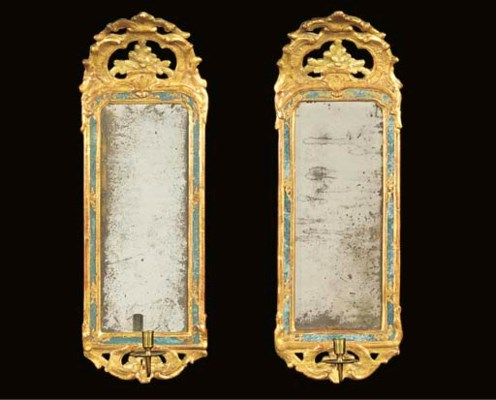 A PAIR OF SWEDISH GILTWOOD GIR