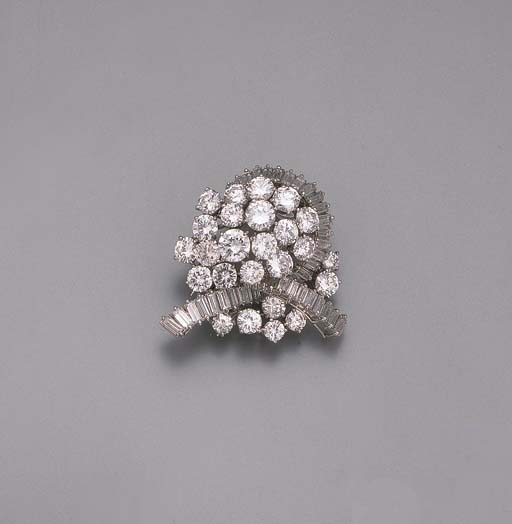 A DIAMOND BROOCH, BY BOUCHERON