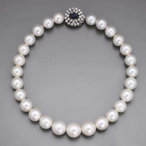 A SOUTH SEA CULTURED PEARL NEC
