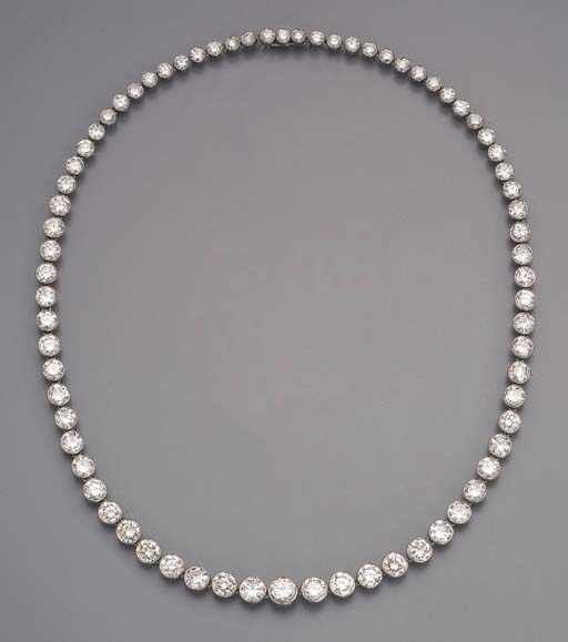 A DIAMOND COLLET NECKLACE