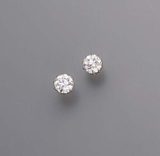 A PAIR OF ANTIQUE DIAMOND SING