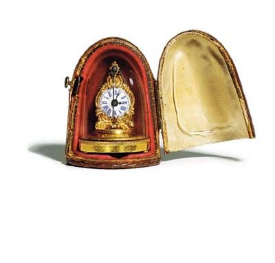 A Continental gold miniature z