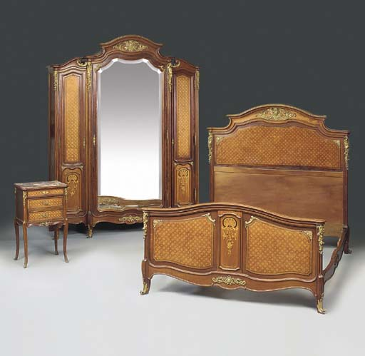 A Transitional style ormolu-mo