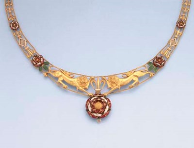 AN ANTIQUE GOLD AND ENAMEL NEC