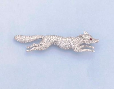 A DIAMOND FOX BROOCH