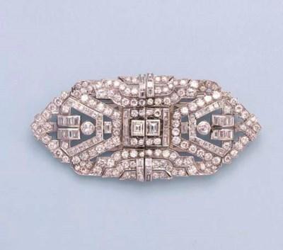 AN ART DECO DIAMOND DOUBLE-CLI