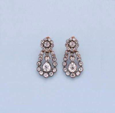 A PAIR OF ANTIQUE DIAMOND PEND