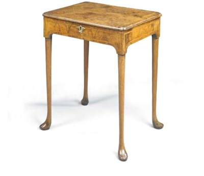 A GEORGE I WALNUT CENTRE TABLE