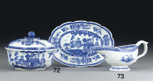 A DERBY BLUE AND WHITE QUATREF