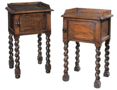 A PAIR OF EARLY VICTORIAN STAI