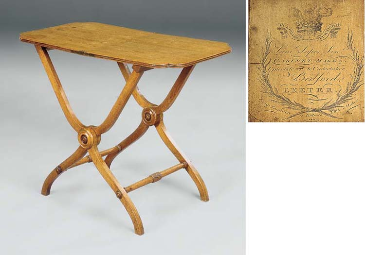 A REGENCY OAK COACHING TABLE