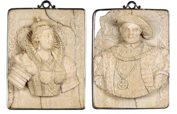 A PAIR OF HIGH RELIEF CARVED I