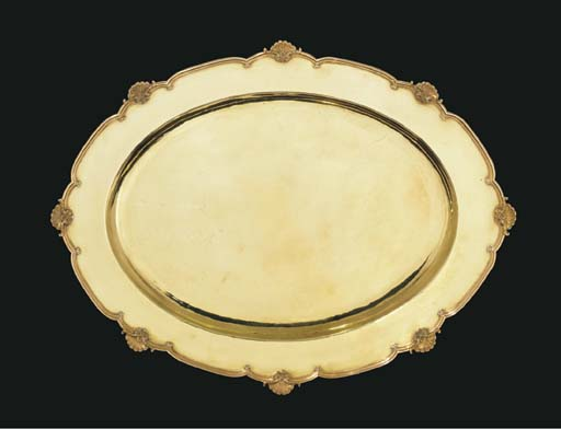 A gold meat-dish