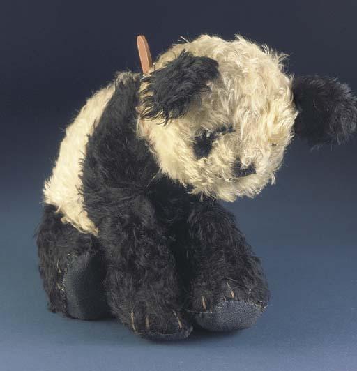 A rare Dean's Ming Panda