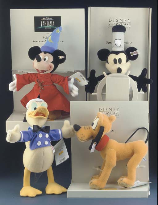 Steiff Disney Showcase Collect