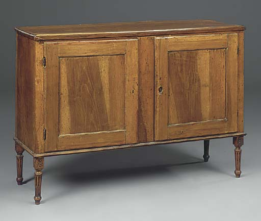 AN ITALIAN WALNUT SIDE CABINET