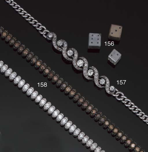 A brown and white diamond neck