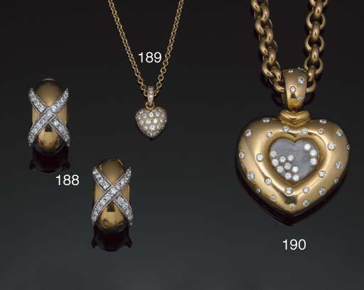 A diamond heart pendant neckla