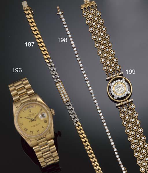 A diamond curb-link bracelet