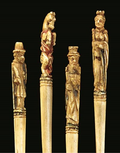 Four French carved bone chess
