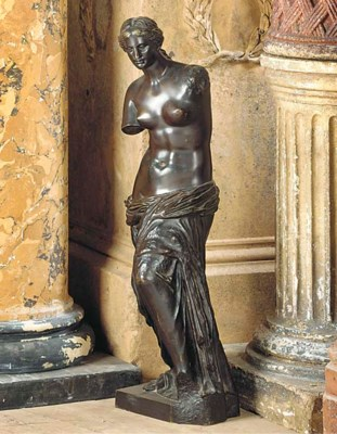 A FRENCH BRONZE FIGURE OF VENU