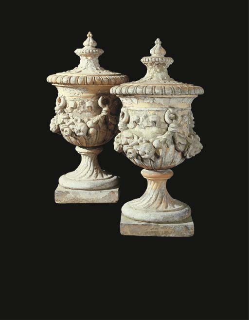 A PAIR OF ENGLISH ORNAMENTAL T